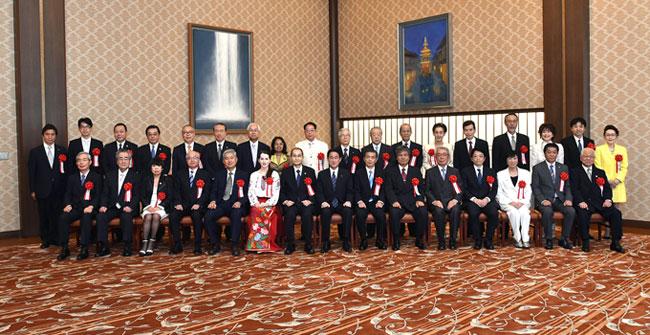 外務大臣表彰受賞者記念写真